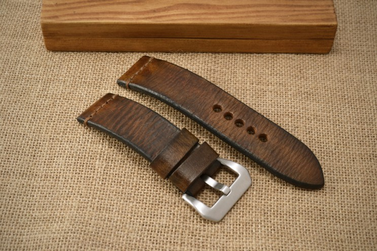 Vintage looking brown watch strap