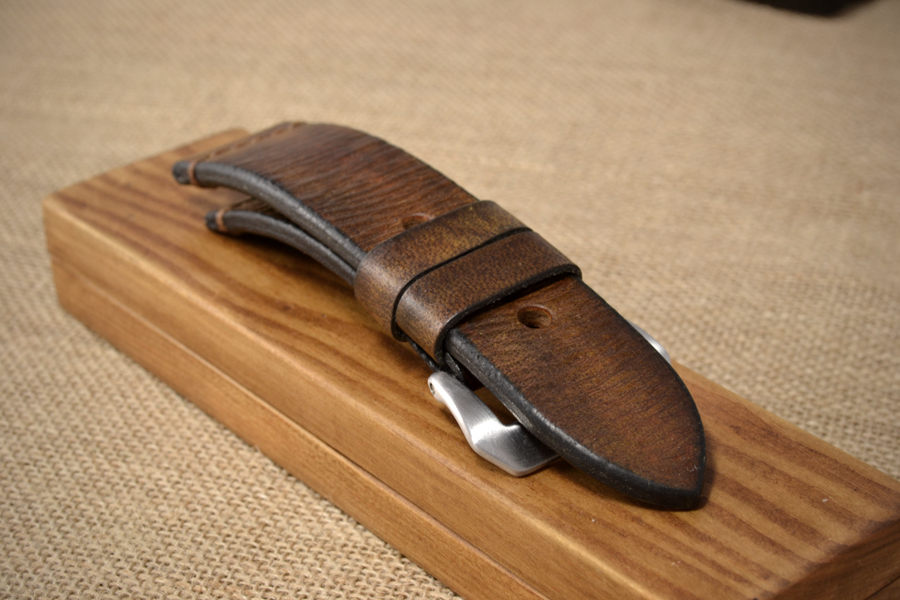 1431a4e8c Vintage looking brown watch strap - The Brown Strap